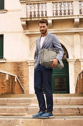 How to wear: blue leather derby shoes, navy chinos, white crew-neck t-shirt, grey blazer
