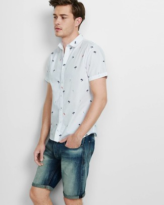 How to wear: navy denim shorts, white print short sleeve shirt