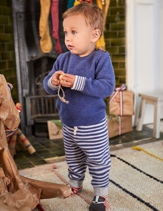 Boys' Looks & Outfits: What To Wear In a Relaxed Way: Go for a navy sweater and navy horizontal striped sweatpants for your little angel for a fun day in the park.