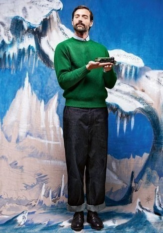 How to Wear a Green Crew-neck Sweater For Men: A green crew-neck sweater and navy jeans are a combination that every modern guy should have in his casual repertoire. A trendy pair of black leather derby shoes is the most effective way to add a confident kick to the ensemble.