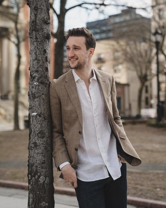 How to wear: navy jeans, white linen long sleeve shirt, brown blazer