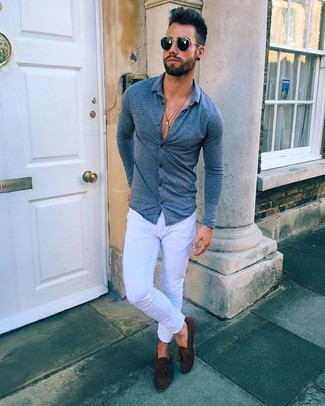 How to wear: navy long sleeve shirt, white skinny jeans, dark brown suede tassel loafers, black sunglasses