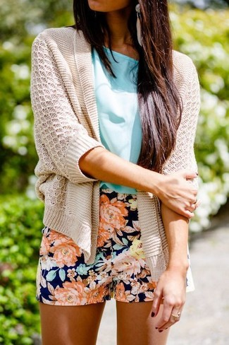 How to wear: beige earrings, navy floral shorts, aquamarine short sleeve blouse, beige knit open cardigan