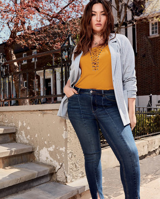 How to wear: gold choker, navy skinny jeans, mustard v-neck t-shirt, grey vertical striped blazer