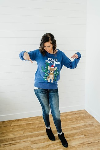 How to Wear a Navy Christmas Crew-neck Sweater For Women: A navy christmas crew-neck sweater and navy skinny jeans are a nice getup to add to your day-to-day casual fashion mix. Rounding off with a pair of black suede ankle boots is a guaranteed way to add a little depth to your outfit.