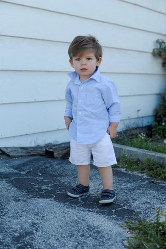 How to wear: navy sneakers, white shorts, light blue long sleeve shirt