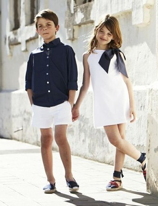 How to wear: navy sneakers, white shorts, navy long sleeve shirt