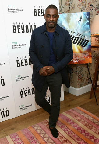 Idris Elba wearing Navy Trenchcoat, Navy Crew-neck Sweater, Black Chinos, Black Suede Espadrilles