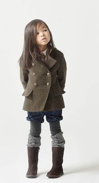 How to wear: olive coat, navy shorts, dark brown boots, grey tights