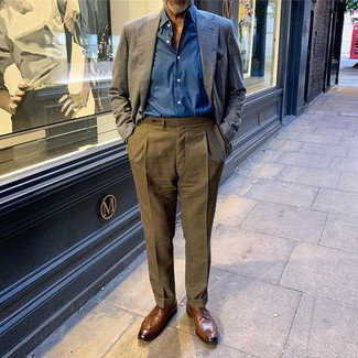 How to wear: brown leather derby shoes, olive dress pants, blue long sleeve shirt, navy linen blazer