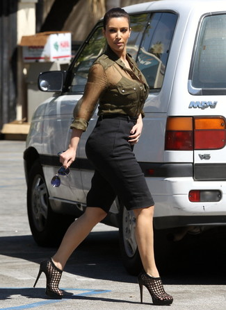 Kim Kardashian wearing Olive Dress Shirt, Black Bermuda Shorts, Black Leather Heeled Sandals