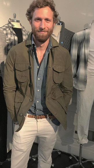 How to wear: olive shirt jacket, grey long sleeve shirt, white jeans, brown leather belt