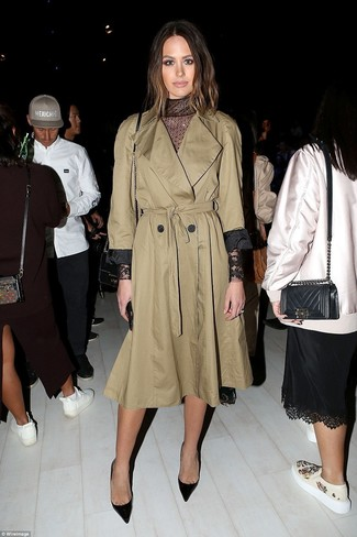 This pairing of a Stella McCartney Oversized Trench Coat and a black lace midi dress is incredibly stylish and yet it looks cozy and ready for anything. Black leather pumps will become an ideal companion to your style. There's nothing like a neat combo to spice up a dull autumn afternoon.