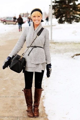 If you're a jeans-and-a-tee kind of gal, you'll like the simple pairing of a grey knit open cardigan and black leggings. Why not introduce brown leather knee high boots to the mix for an added touch of style? It's is a viable idea when it comes to planning a well-coordinated getup for summer-to-fall weather.