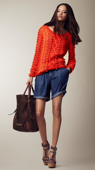 Pair an orange knit pullover with a bag for a trendy and easy going look. Add a glam twist to your look with dark grey suede wedge sandals. We can't get enough of this combination for warm days.