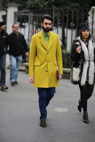 How to wear: yellow overcoat, yellow v-neck sweater, mint polka dot long sleeve shirt, navy jeans