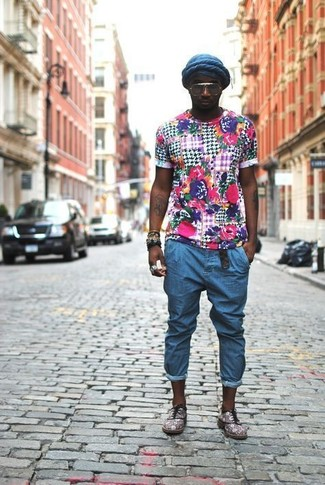 How to wear: navy beanie, grey suede oxford shoes, blue jeans, multi colored floral crew-neck t-shirt