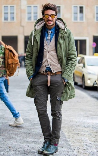 How to wear: olive parka, navy denim blazer, beige cardigan, blue denim shirt