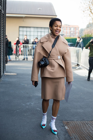 How to wear: aquamarine leather pumps, beige wool pencil skirt, beige turtleneck, beige pea coat