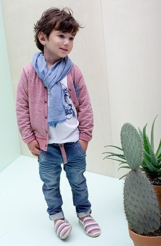 How to wear: pink cardigan, white print t-shirt, blue jeans, light blue scarf