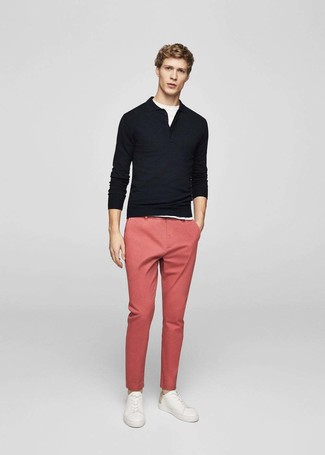 How to wear: white leather low top sneakers, pink chinos, white crew-neck t-shirt, black polo neck sweater