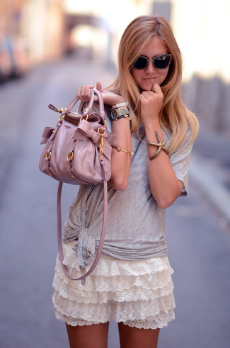 How to wear: pink leather tote bag, white ruffle lace mini skirt, grey crew-neck t-shirt