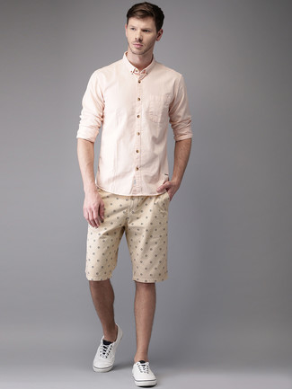 How to wear: pink long sleeve shirt, beige print shorts, white plimsolls