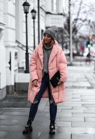 Try pairing a pink puffer coat with a Stella McCartney Ribbed Beanie for an effortless kind of elegance. Black cutout leather ankle boots will bring a classic aesthetic to the ensemble. It's also plain to see how this look will keep you cozy and stylish throughout the season.