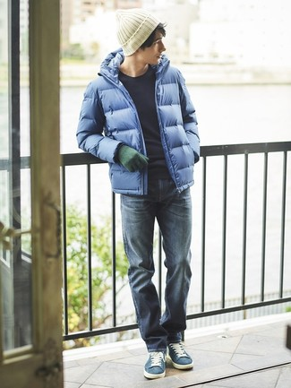How to wear: blue puffer jacket, navy crew-neck sweater, navy jeans, blue suede low top sneakers