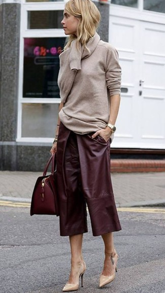 How to wear: burgundy leather satchel bag, beige leather pumps, burgundy leather culottes, beige crew-neck sweater