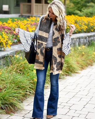How to wear: black leather tote bag, tan leopard suede pumps, blue flare jeans, white and black horizontal striped crew-neck sweater