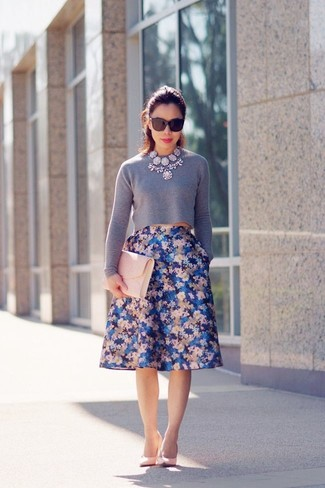 How to wear: pink leather clutch, pink leather pumps, blue floral full skirt, grey cropped sweater