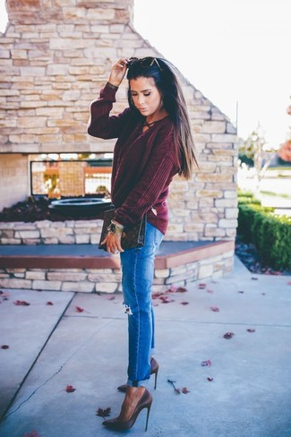 How to wear: dark brown print leather clutch, dark brown leather pumps, blue ripped jeans, burgundy cable sweater