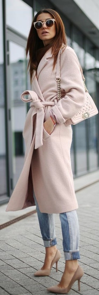 How to wear: beige quilted leather crossbody bag, beige suede pumps, blue vertical striped jeans, pink coat