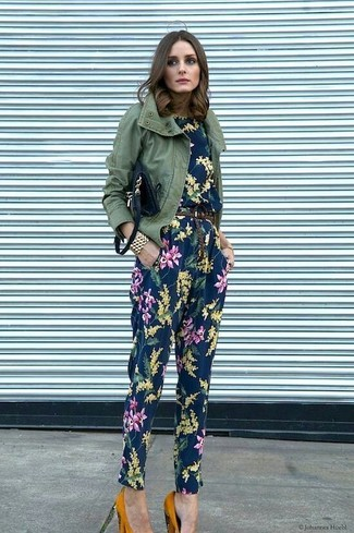 Women's Looks & Outfits: What To Wear In 2020: This relaxed combo of an olive military jacket and a navy floral jumpsuit is a winning option when you need to look nice in a flash. Perk up your look by finishing off with a pair of mustard suede pumps.