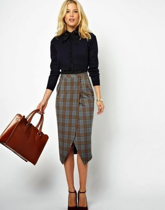 How to wear: tobacco leather tote bag, black leather pumps, grey plaid pencil skirt, black dress shirt