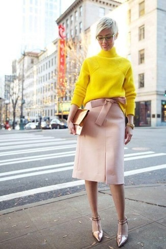 How to wear: gold leather clutch, gold leather pumps, pink pencil skirt, yellow knit turtleneck