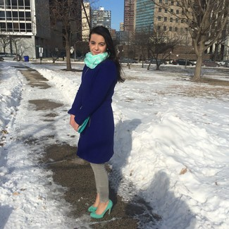 How to wear: mint leather clutch, mint suede pumps, grey skinny jeans, navy coat