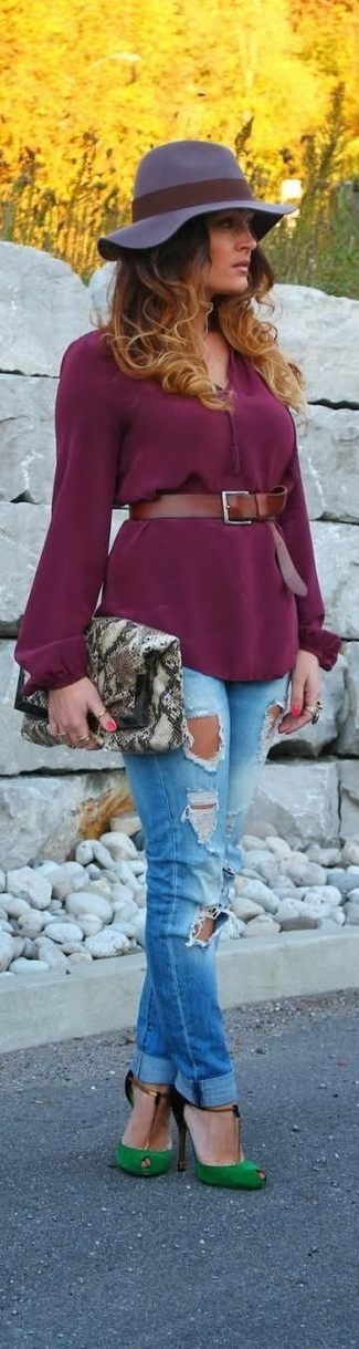 How to wear: grey snake leather clutch, green cutout suede pumps, blue ripped skinny jeans, purple long sleeve blouse