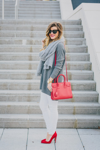 How to Wear a Grey Scarf For Women: Uber stylish, this pairing of a grey knit tunic and a grey scarf provides amazing styling opportunities. Let's make a bit more effort now and add a pair of red suede pumps to this outfit.