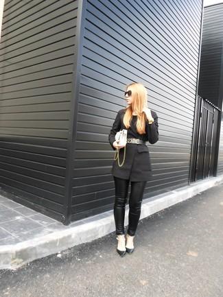 How to wear: white leather crossbody bag, black studded leather pumps, black leather skinny pants, black blazer
