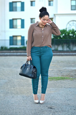 How to wear: black leather tote bag, silver leather pumps, teal skinny pants, brown silk dress shirt
