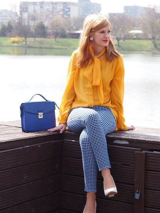 How to wear: blue leather satchel bag, white leather pumps, white and blue check skinny pants, yellow long sleeve blouse