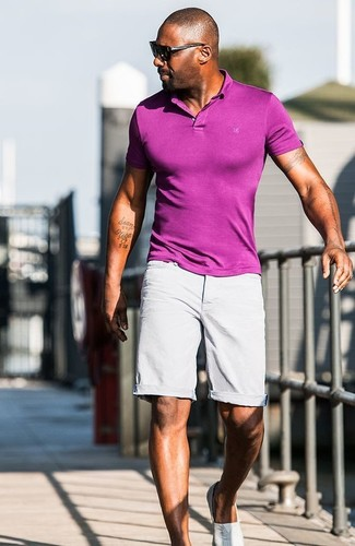 Idris Elba wearing Purple Polo, Grey Shorts, Grey Slip-on Sneakers