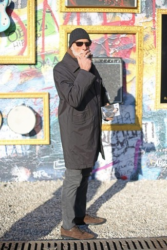 How to wear: black raincoat, charcoal chinos, brown suede oxford shoes, black beanie