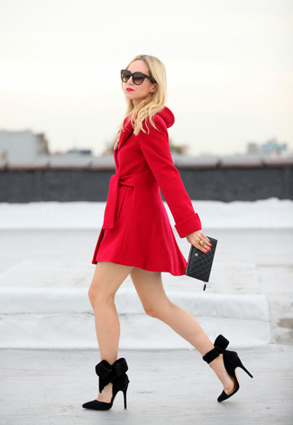 Consider wearing a red coat to achieve a neat and proper look. Finish off your look with black suede pumps. Seeing as temps are getting lower, this ensemble appears a great idea for the time in between seasons.