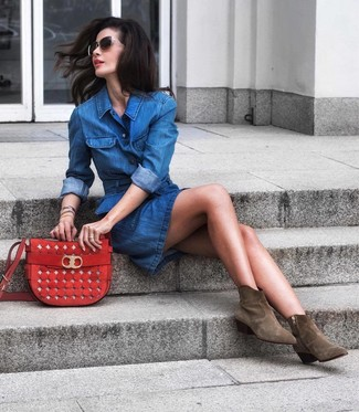 How to Wear Black and Gold Sunglasses For Women: This combination of a blue denim shirtdress and black and gold sunglasses is solid proof that a safe casual ensemble can still look absolutely stylish. Olive suede ankle boots are an effortless way to punch up your ensemble.