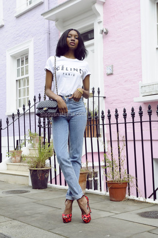 18b76a6abf How To Wear Light Blue Jeans With a White and Black Print Crew-neck ...
