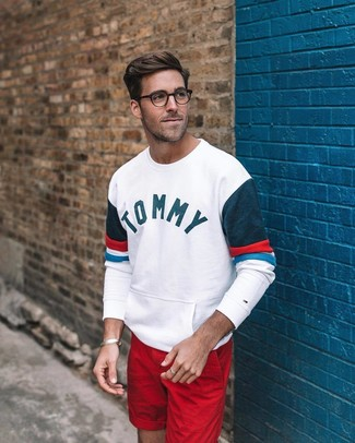 How to wear: red shorts, white print sweatshirt