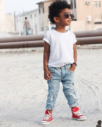 How to wear: black sunglasses, red sneakers, light blue jeans, white t-shirt